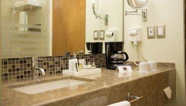 Bathroom Krystal Urban Cancún Hotel Cancún