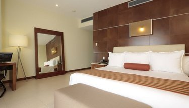 Standard king room Krystal Urban Cancún Hotel Cancún