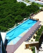 Swimming pool Krystal Urban Cancún Hotel Cancún
